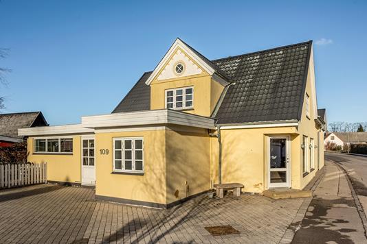 Villa på Ishøj Bygade i Ishøj - Ejendommen