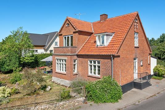 Villa på Valby Sidegade i Taastrup - Ejendommen