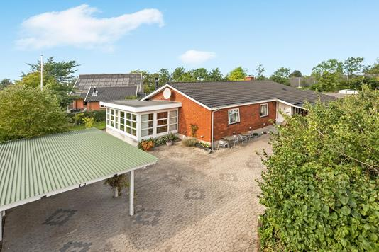 Villa på Pilevej i Hedehusene - Ejendommen