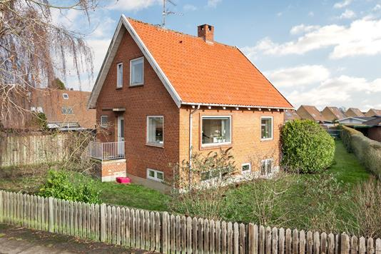 Villa på Røjlevangen i Taastrup - Ejendommen