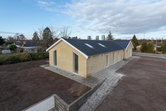 Villa på Strandskolevej i Brøndby Strand - Ejendommen