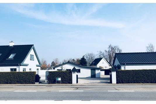 Villa på Køgevej i Ishøj - Set fra vejen