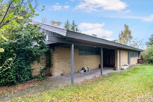 Villa på Løvtoften i Taastrup - Ejendommen