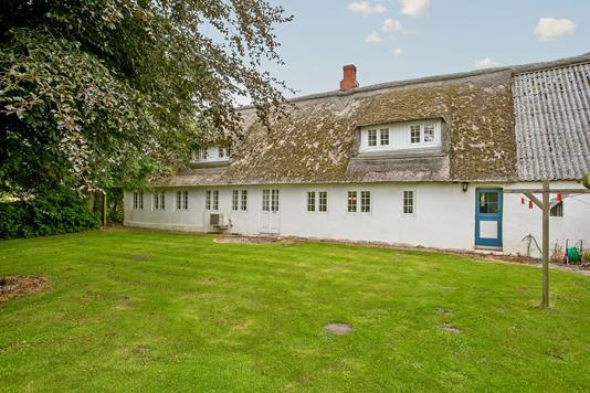 Villa på Emmerlevvej i Højer - Set fra haven