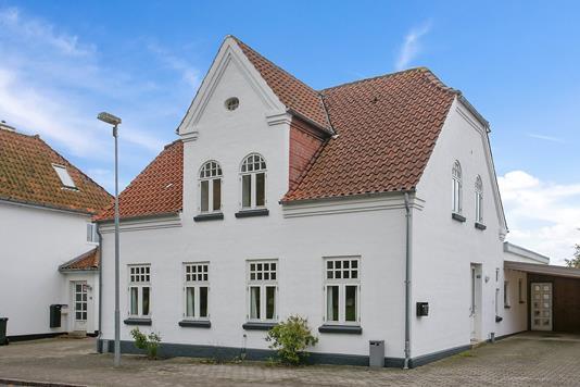 Villa på Slotsgade i Løgumkloster - Ejendommen