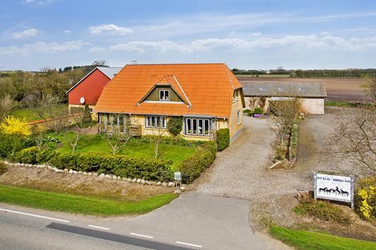 Villa på Adelvadvej i Løgumkloster - Set fra vejen