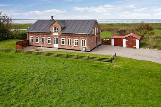Villa på Vesterende i Bredebro - Ejendommen