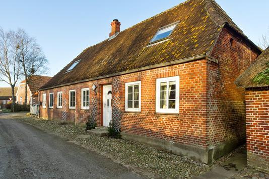 Villa på Lystvej i Højer - Set fra vejen