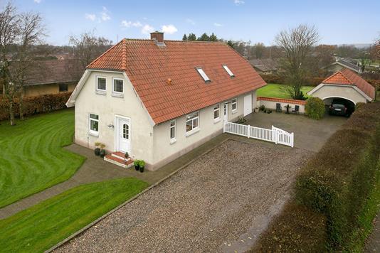 Villa på Nørremark i Løgumkloster - Ejendommen