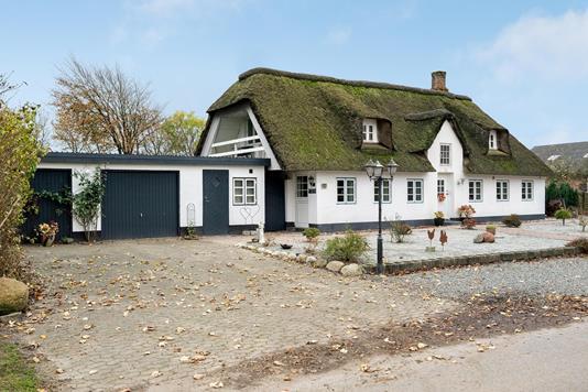 Villa på Ø Gammelby i Bredebro - Ejendommen