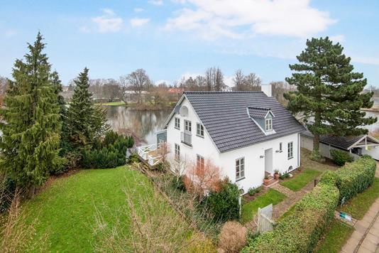 Villa på Lundehusvej i København Ø - Ejendommen