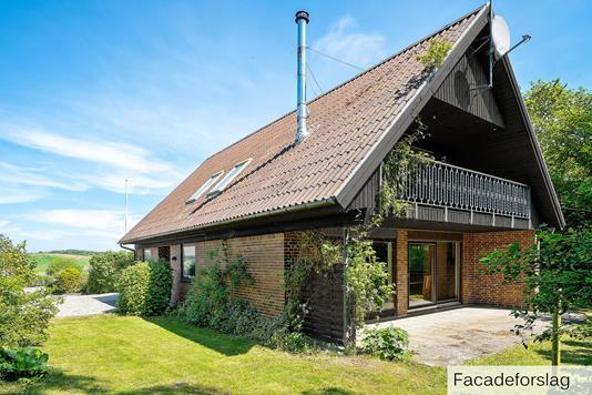 Villa på Søparken i Højby - Set fra haven
