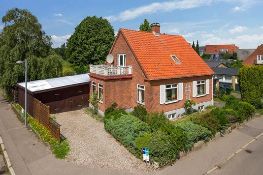 Villa på Grønnehavestræde i Nykøbing Sj - Set fra vejen