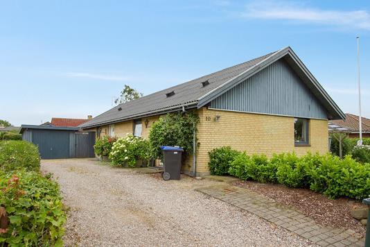 Villa på Kirkebjerg i Nørre Asmindrup - Ejendommen