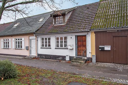 Villa på Lindealle i Nykøbing Sj - Ejendommen