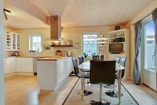 Villa på Klokkelyngen i Højby - Køkken