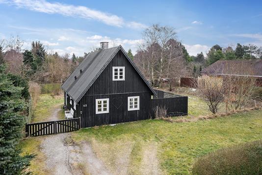 Villa på Dybesøvej i Rørvig - Set fra vejen