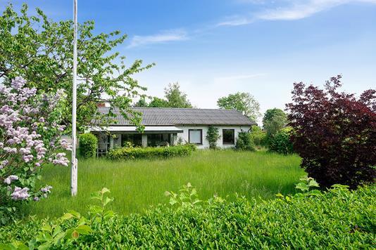Villa på Thorshøjvej i Nykøbing Sj - Set fra haven
