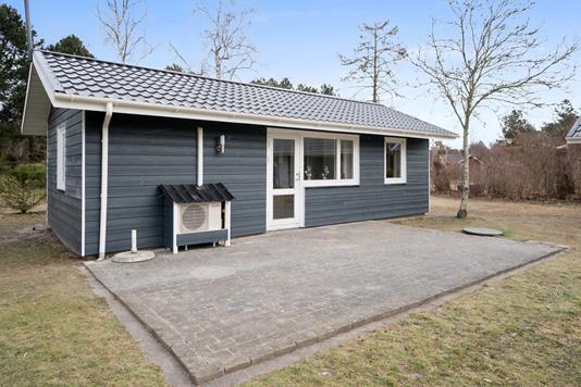 Fritidsbolig på Fasanengen i Nykøbing Sj - Set fra haven