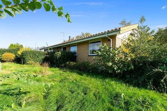 Villa på Søgårdssvinget i Nørre Asmindrup - Set fra haven