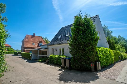 Villa på Sygehusvej i Nykøbing Sj - Set fra vejen