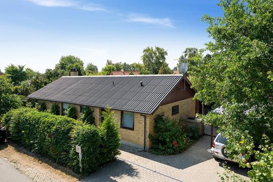 Villa på Anton Bøjesvej i Rørvig - Set fra vejen