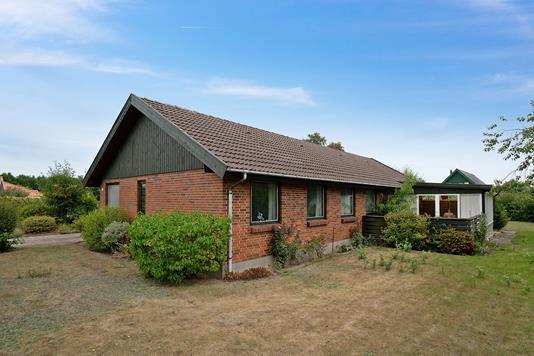 Villa på Digterparken i Nykøbing Sj - Set fra haven