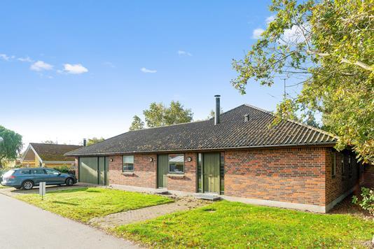 Villa på Isørevej i Rørvig - Set fra vejen