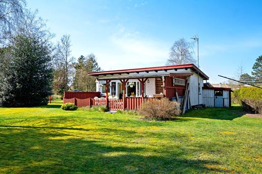 Fritidsbolig på Skræntevej i Nykøbing Sj - Set fra haven