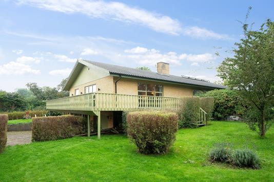Villa på Nygårdsvej i Nykøbing Sj - Set fra haven
