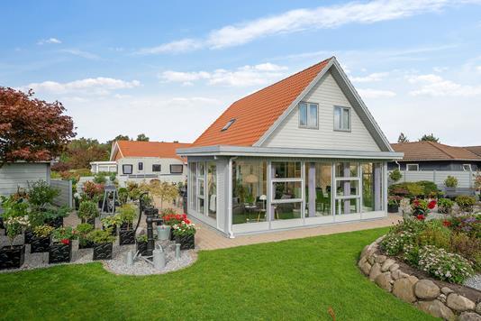 Villa på Fanøvej i Nykøbing Sj - Set fra haven