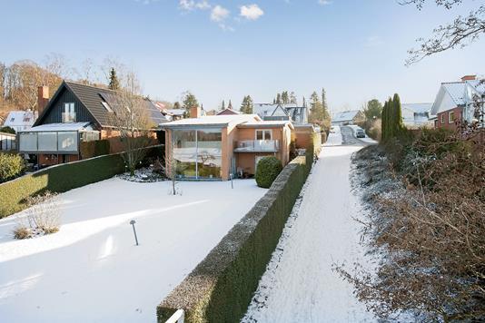 Villa på Carl Plougs Vej i Birkerød - Ejendommen