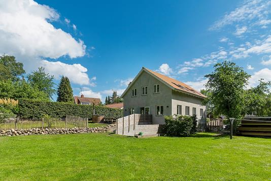 Villa på Endrupvej i Fredensborg - Set fra haven