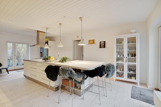 Villa på Strandvænget i Rungsted Kyst - Køkken alrum