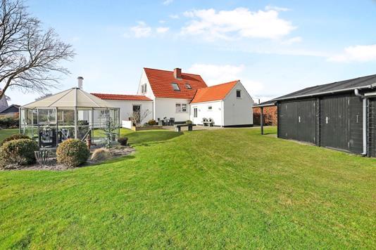 Villa på Engvej i Hals - Ejendommen