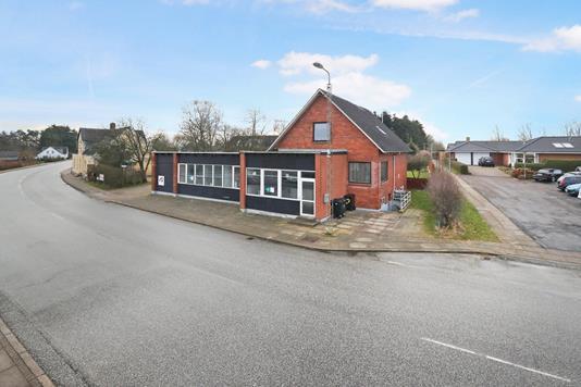 Villa på Aalborgvej i Gandrup - Ejendommen