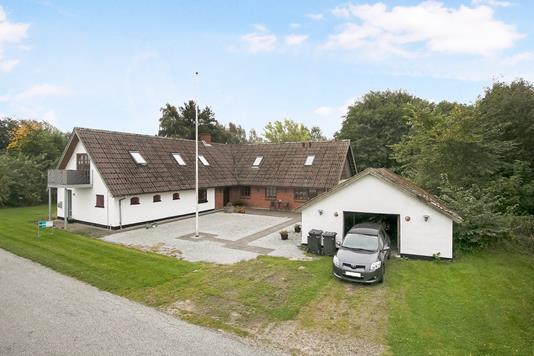 Villa på Hjortrimmenvej i Gandrup - Ejendommen