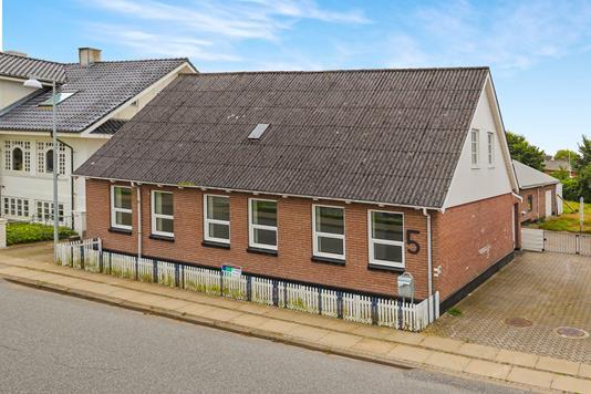 Villa på Stationsvej i Gandrup - Ejendommen