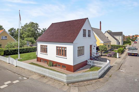 Villa på Sophie Hedvigs Vej i Hals - Ejendommen