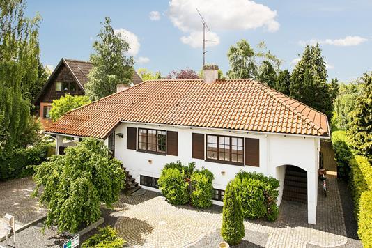 Villa på Nørrevangen i Rødovre - Ejendommen