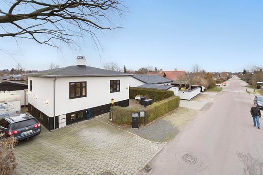 Villa på Åmosevej i Rødovre - Ejendommen