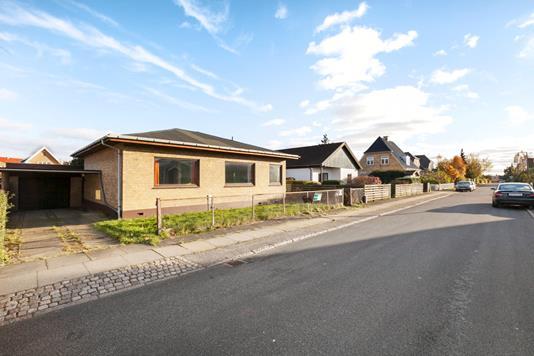 Villa på Christiansdal i Rødovre - Ejendommen