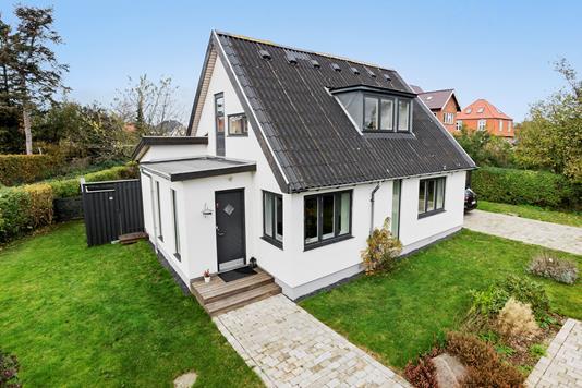 Villa på Damhusdalen i Rødovre - Ejendommen