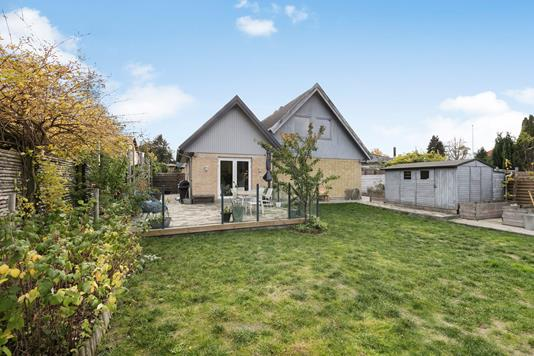 Villa på Grønlunds Alle i Rødovre - Ejendommen