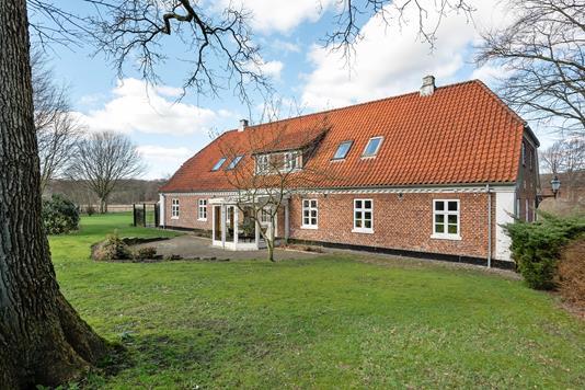 Villa på Ågade i Holsted - Ejendommen