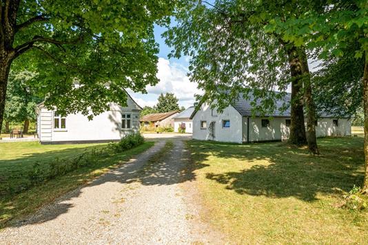Villa på Favrskovvej i Holsted - Ejendommen