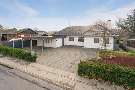 Villa på Fredensvej i Brørup - Ejendommen