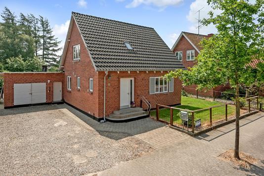 Villa på Hovedgaden i Gesten - Andet