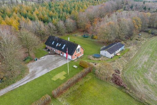 Landejendom på Lindknudvej i Brørup - Luftfoto