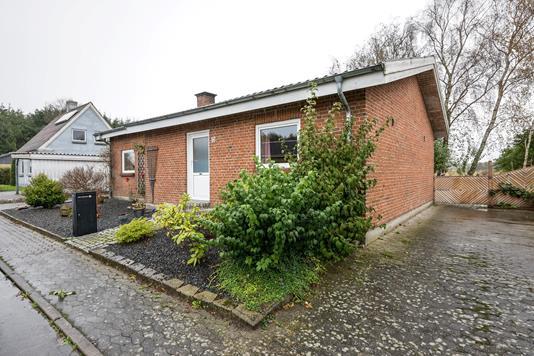 Villa på Møllevej i Bække - Ejendommen